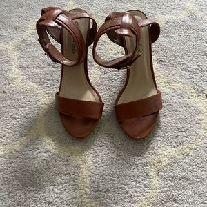 Cute low heels! Size 8!